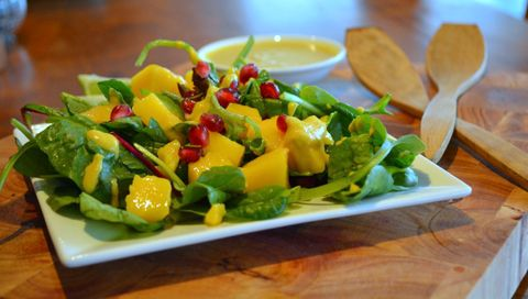 4 Day Meal Plan_pomegranate tumeric salad
